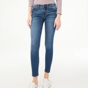 EUC Aeropostale skinny jeans, medium wash